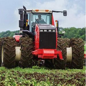 Интерлизинг и Ростсельмаш продали первый трактор с автопилотом
