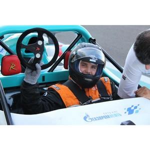 Клиенты АЗС «Газпромнефть» покорили гоночную трассу в Абу-Даби