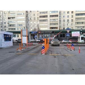 Активисты ОНФ проверили работу платной парковки возле администрации Тюмени