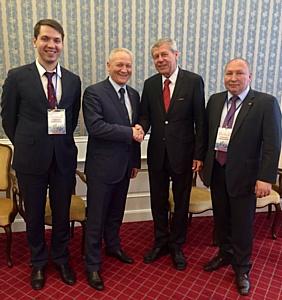 На экономическом форуме Машкластер РТ подписал соглашение с Ассоциацией заказчиков и поставщиков