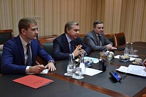 Глава ДВМС и посол Сербии обсудили пути развития сотрудничества