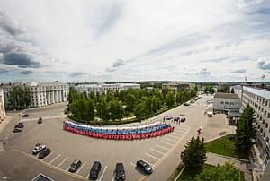 Студенты Дзержинского филиала РАНХиГС приняли участие в акции «Россия начинается с тебя!»