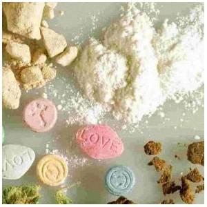 В Зеленограде полицейские задержали двух подозреваемых в хранении наркотиков
