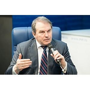 Сенатор предположил, почему Украина обвиняет Россию в причастности к Petya