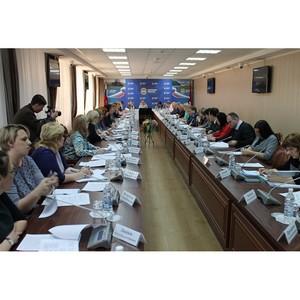 Активисты ОНФ в Амурской области обсудили с губернатором вопросы реализации общественных предложений