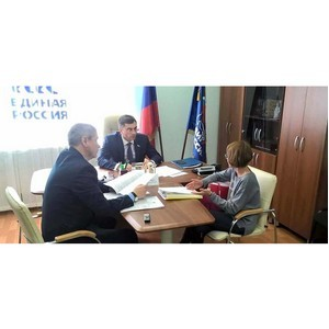 Владимир Гутенев провел прием граждан в Самаре