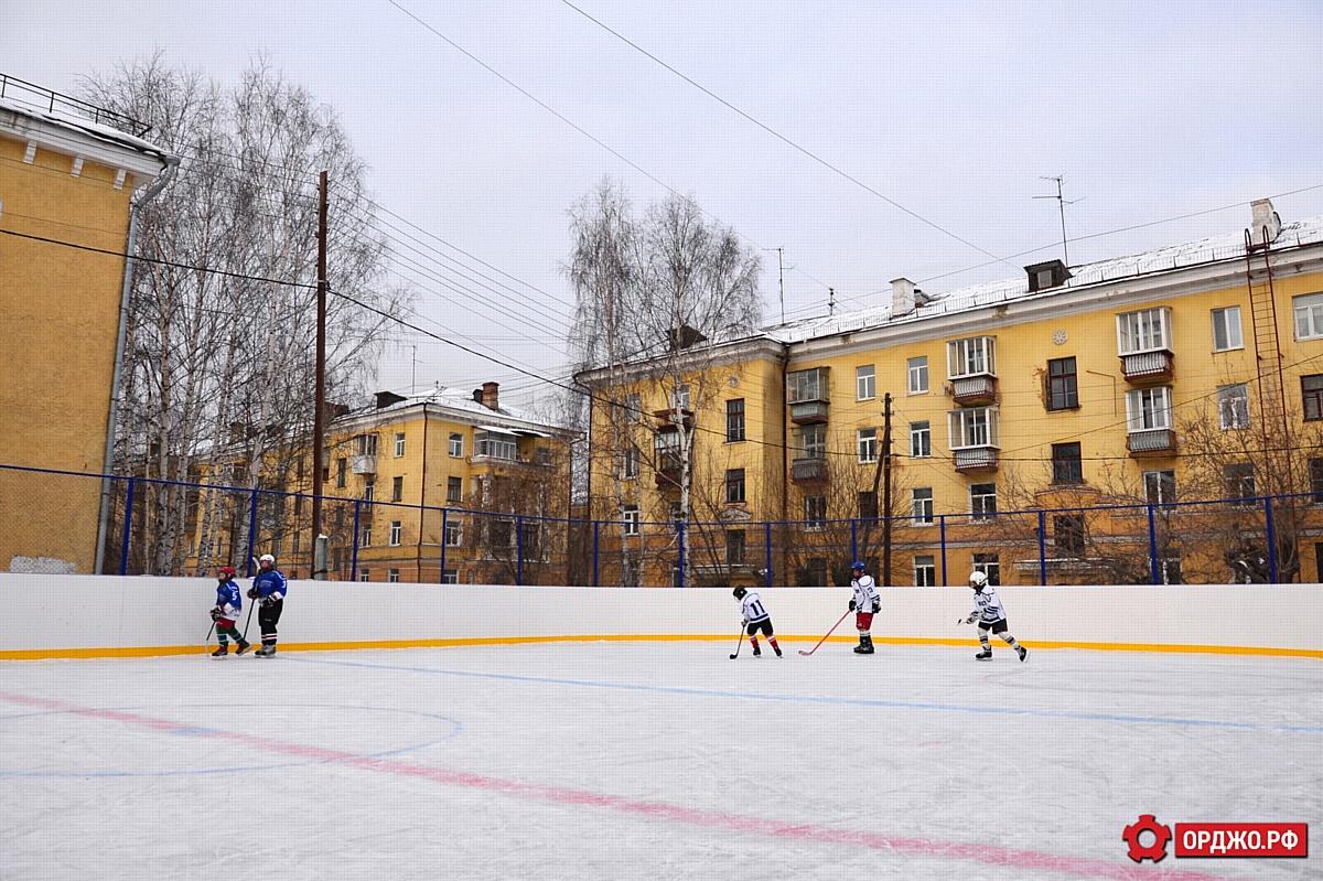 Новый ледовый корт открыли на Уралмаше