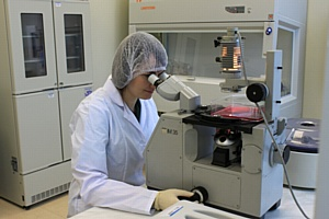 В ГК Алкор Био открылись две новые исследовательские лаборатории: микробиологическая и химическая