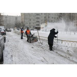 5500 коммунальщиков расчищают снег в населённых пунктах Московской области