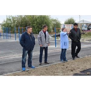 Активисты ОНФ на Ямале провели рейд по объектам программы благоустройства городской среды Салехарда