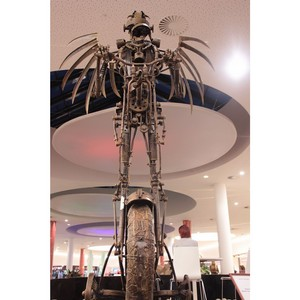 «М5 Молл»: В галереях ТРЦ поселились Ангел на велосипеде и гигантские улитки!