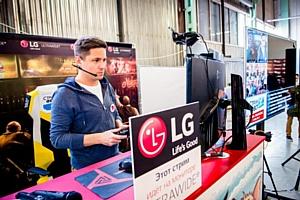 Стримы Welovegames на мониторах LG Ultrawide в рамках фестиваля «Стримфест»