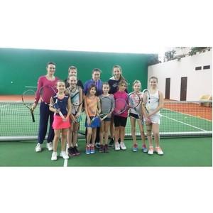 Экс-вторая ракетка мира по теннису Вера Звонаревой дала мастер-класс для юных воспитанников «Чайки»