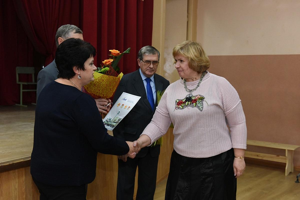 Калининцы поздравили педагогов