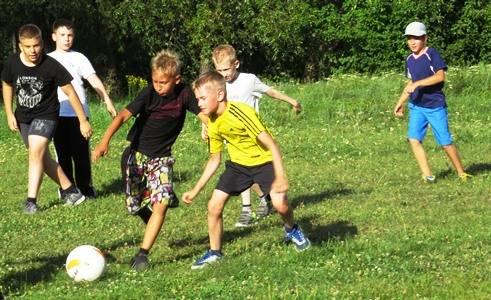 «РуссНефть» поддержала проект «Мы выбираем спорт!» для молодёжи Саратовской области