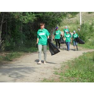 В рамках проекта ОНФ «Генеральная уборка» очищена береговая линия Бии и парковая зона в Бийске