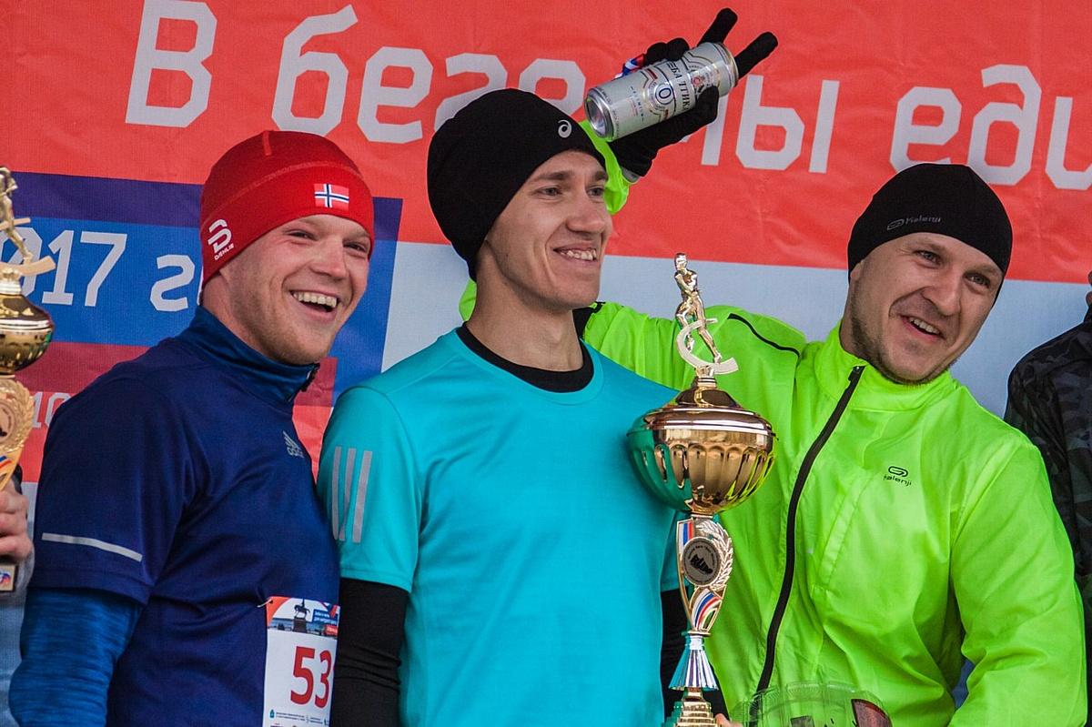 500 спортсменов отметили завершение бегового сезона в Самаре при поддержке «Балтика 0»