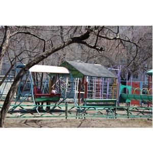 Детские игровые площадки в зоне повышенного внимания