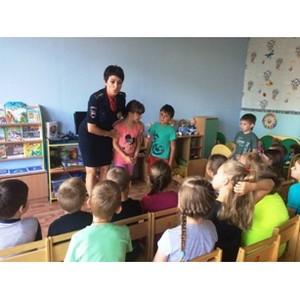 Накануне нового учебного года инспекторы ГИБДДЗеленограда напомнили детям Правила дорожного движения