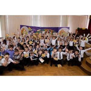Свыше 1500 школьников и их родителей приняли участие в творческо-социальном проекте «Цветы жизни»