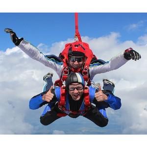 Аэроклуб «Стриж» открыл в Москве новый парашютный сезон
