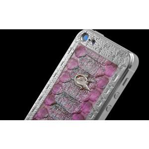 Вышла новогодняя коллекция дизайнерских iPhone 5 от компании Caviar
