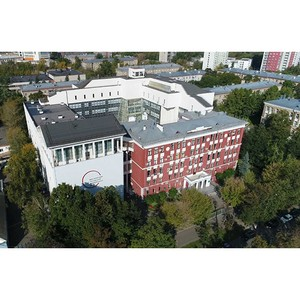 Московский городской университет готовит профессиональные кадры… и заботится о собственных