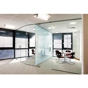 Стеклянные офисные перегородки – современное решение в деловом дизайне
