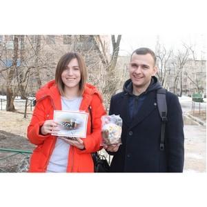 Участники команды «Молодежки ОНФ» навестили одиноких воронежских пенсионеров