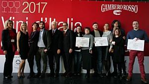 Презентация юбилейного 30-го издания гида Vini d'Italia 2017 состоялась в Москве