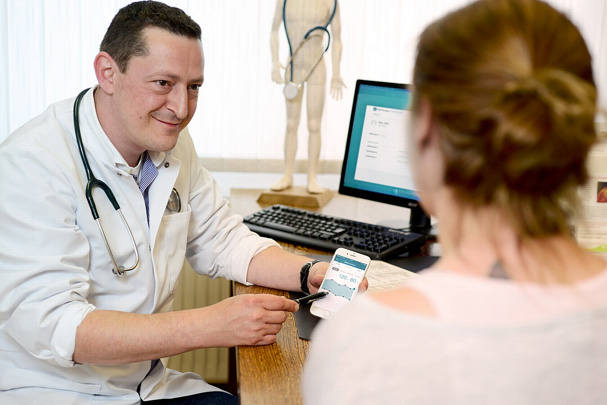 Теперь врач сможет следить за выполнением пациентом предписаний через смартфон