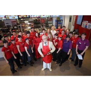 В Красноярске состоялось торжественное открытие первого ресторана KFC с автораздачей!