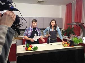 Кто готовит на кухне от  Фабрики «Zetta».