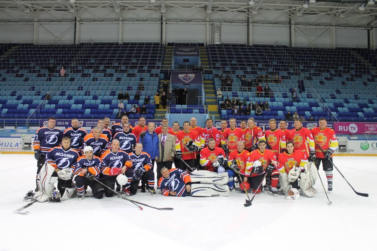 К 60-летию Чувашская энергосбытовая компания провела хоккейный матч