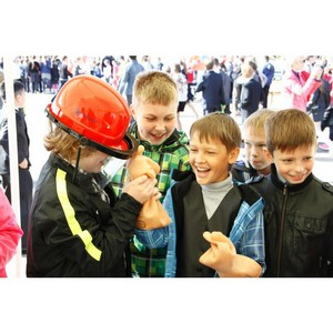Сотрудники «Ярэнерго» напомнили школьникам об электробезопасности.