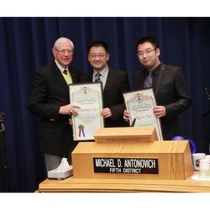 Д-р Сю удостоен награды Scroll от правительства округа Лос-Анджелес