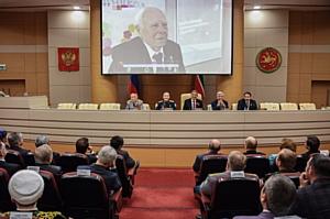 И.Р. Гафуров принял участие в заседании оргкомитета по подготовке к празднованию 72-й годовщины Победы