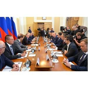 Оренбургские активисты ОНФ приняли участие во встрече Путина с представителями деловых кругов
