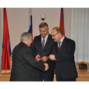 Мэр Орла Сергей Ступин поздравил ветеранов комсомола с 96-летием ВЛКСМ