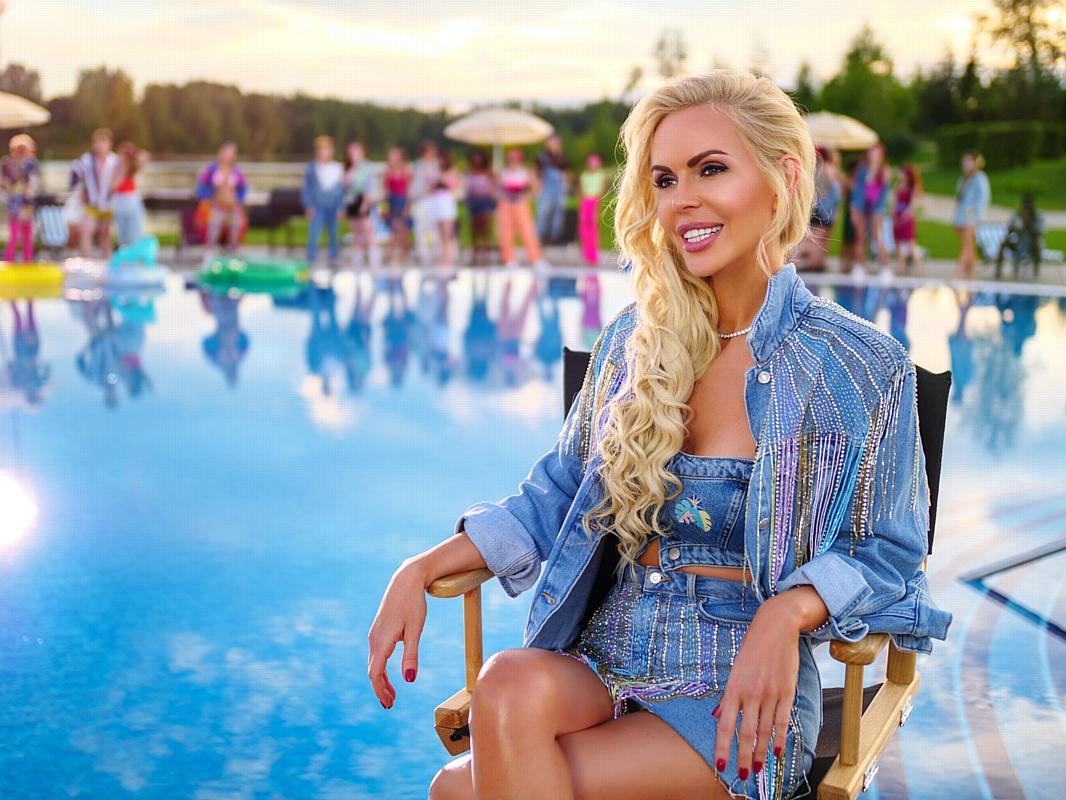 Шок - это по-нашему: Алиса Лобанова в новом клипе Киркорова и Баскова