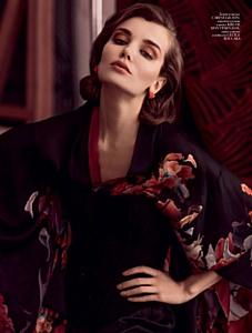 Топ-модель  Дарья Коновалова на обложке украинского издания Vogue
