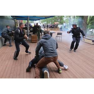 В Зеленограде прошли учения сотрудников полиции по действиям в типовых и экстремальных ситуациях
