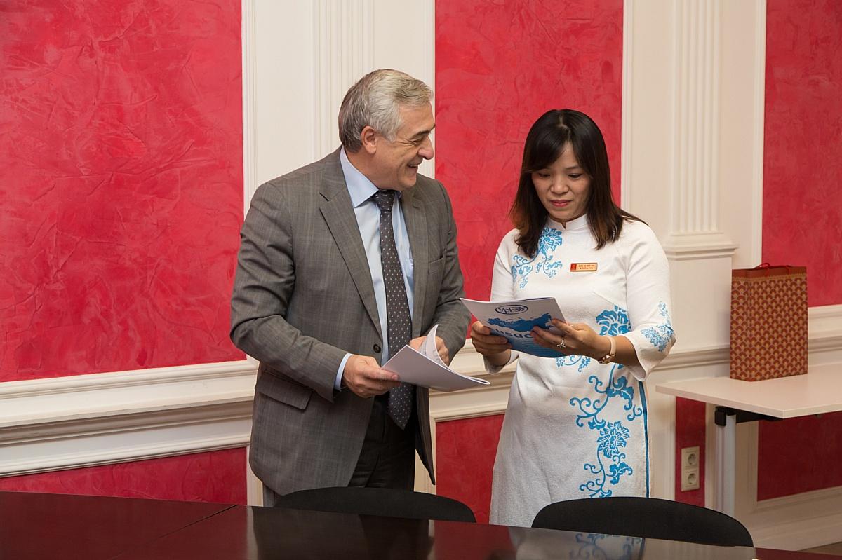 УрГЭУ развивает сотрудничество с Вьетнамом