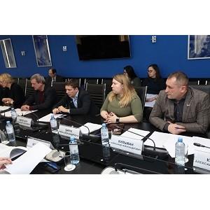Активисты ОНФ Югры передали общественные предложения губернатору региона
