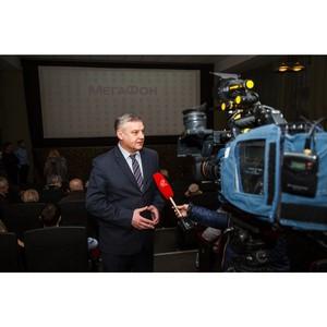 Мэр Орла Сергей Ступин открыл премьерный показ фильма для незрячих и глухих людей