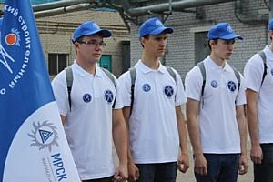 Студенты энергетического стройотряда выбирают будущую профессию