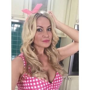 Виктория Ланевская выпустила клип в «День Всех Влюблённых»