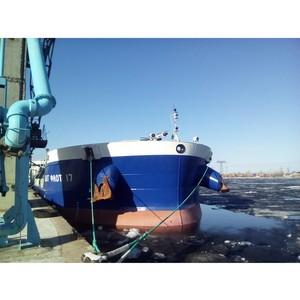 Холдинг «Солнечные продукты» отправил первую партию наливного подсолнечного масла