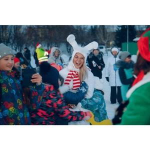 «Рождественский караван Coca-Cola» преодолел несколько тысяч километров и прибывает в Новосибирск