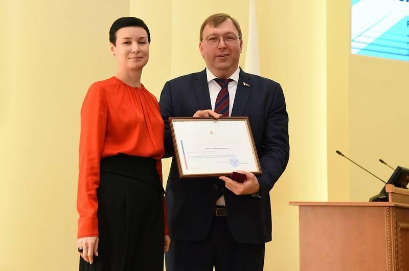 Дончане смогут направлять свои законотворческие инициативы непосредственно сенаторам от региона